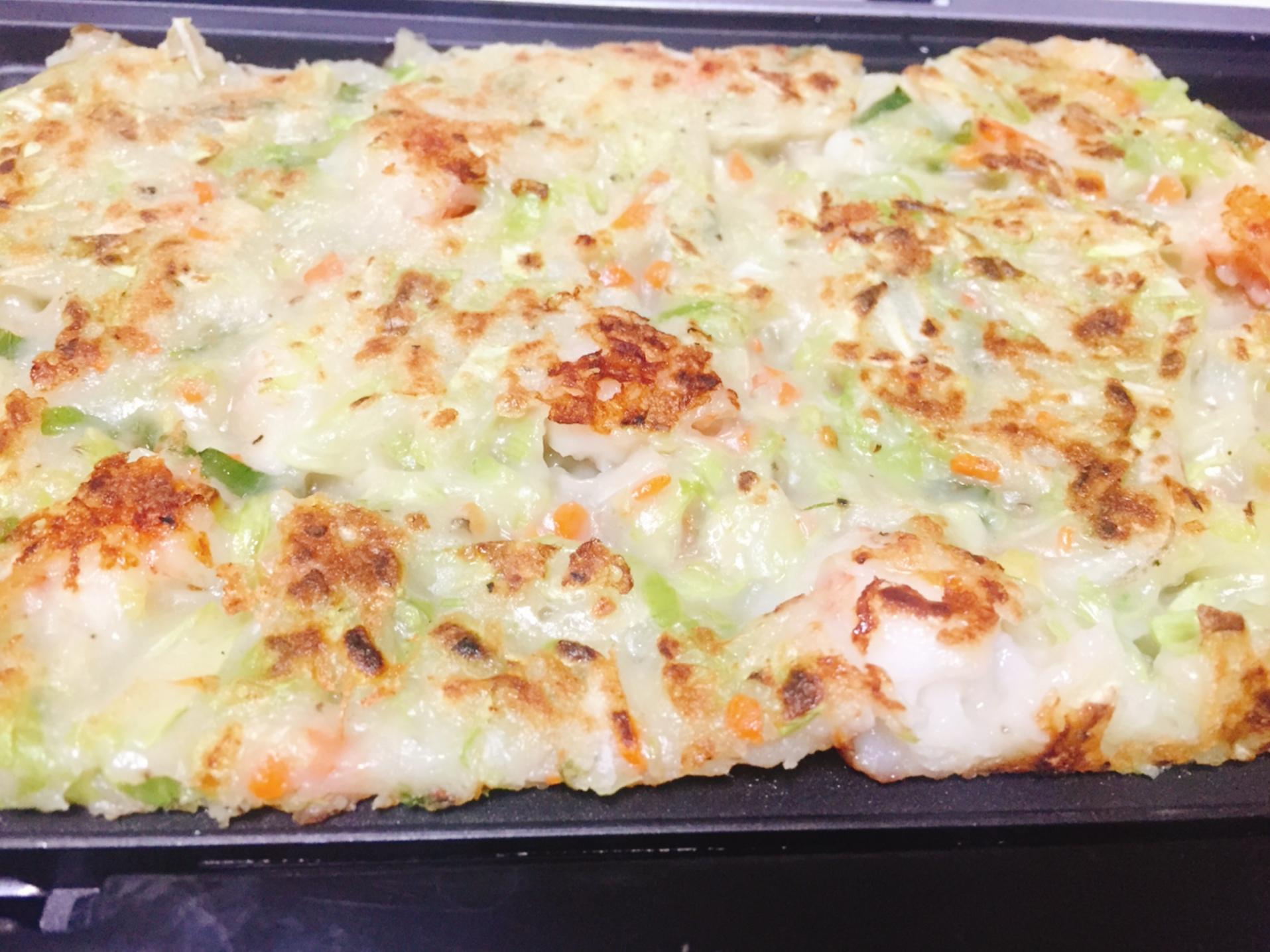韓式蔬菜海鮮煎餅倒入獅子心鬆餅機一次加熱